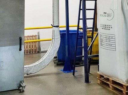 Kunststoffgranulat-Förderanlagen dämmen
